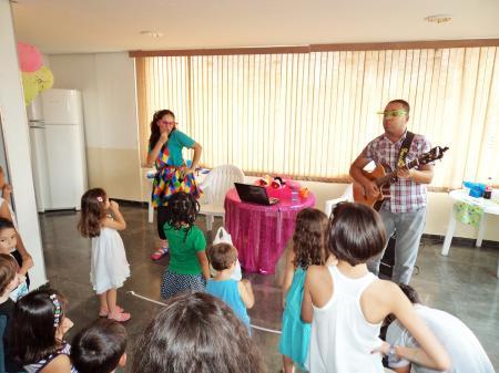 Show musical infantil com contação de histórias