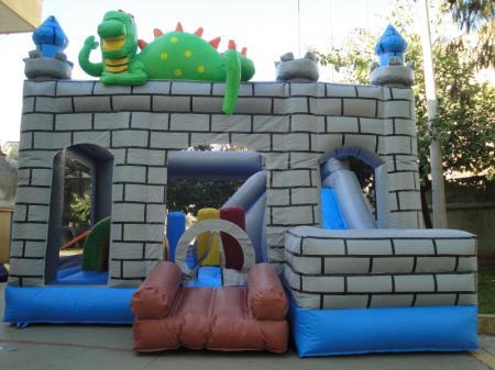Kiddie Play Castelo do Dragão - Medida necessária para a montagem: 8,0 x 8,0 x 7,0